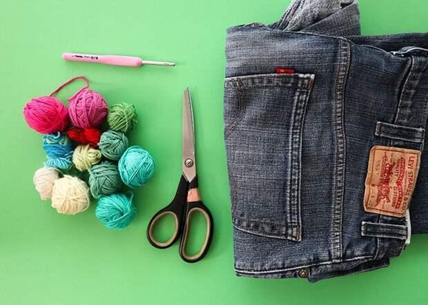 Модный коврик из старых джинсов и остатков пряжи