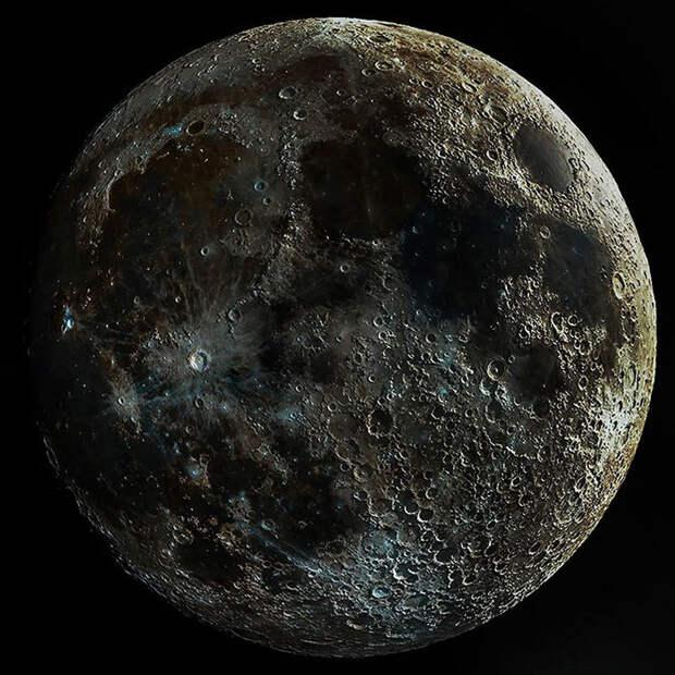 Фотограф сделал тысячи снимков Луны и собрал из них одно сверхчеткое изображение