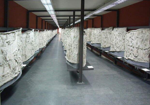 Рельефный фриз Колонны Траяна в Музее римской цивилизации - Колонна Траяна   Warspot.ru