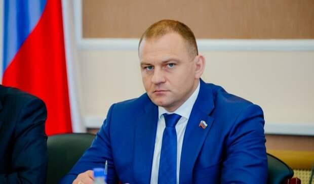Аты-баты! Служилиль депутаты? Как оренбургские VIP-ы отдавали долг Родине