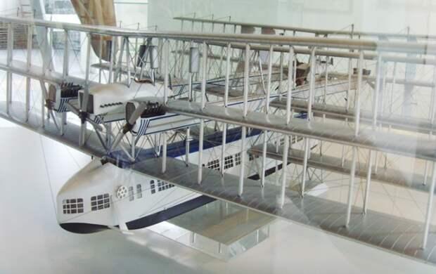 Масштабная модель летающей лодки Caproni Ca.60. | Фото: upload.wikimedia.org.