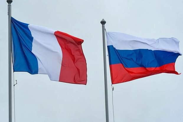 МИД России лихо проехался по болевой точке Франции в ответ на критику Спутника V