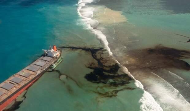 Режим ЧСвведен наМаврикии из-за разлива нефти