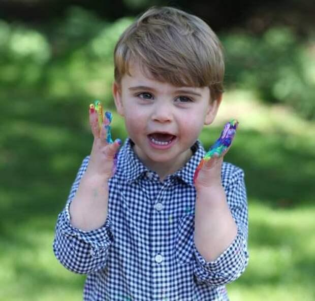 В честь дня рождения принца Луи: Кейт Миддлтон поделилась новым снимком младшего сына