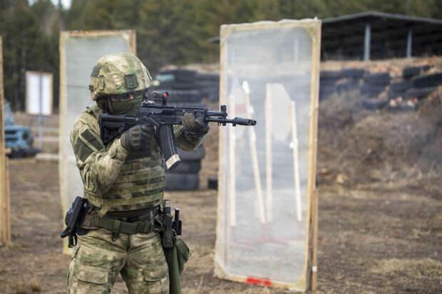 Тренировка по тактической стрельбе подразделения спецназа в Тамбовской области