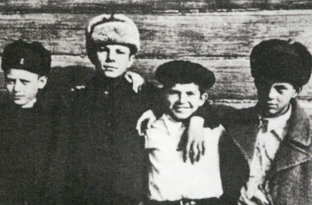 Юрий Гагарин: что случилось с его семьёй во время оккупации