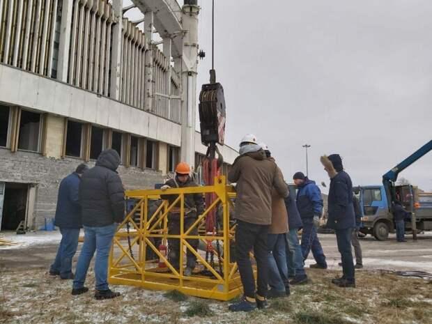 Видео: В Петербурге по время демонтажа СКК рухнула крыша