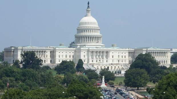 Сотрудника телеканала Infowars преследуют из-за репортажа о штурме Капитолия