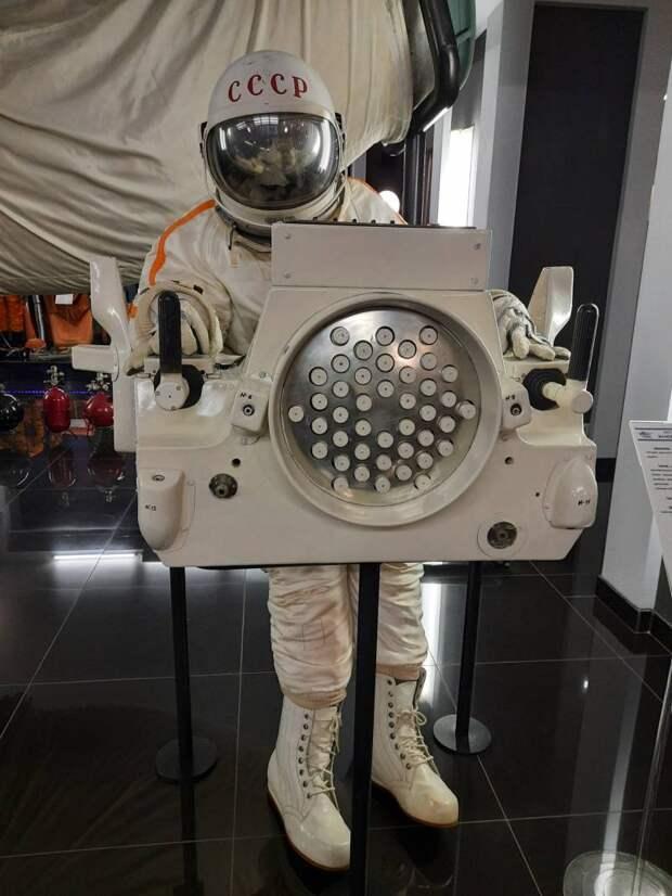 «УПМК» – советская установка для перемещения и маневрирования в космосе (1968)