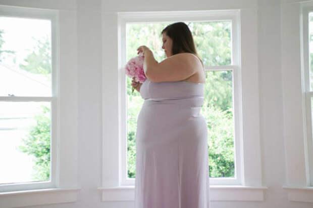 Сестру невесты не пригласили на свадьбу из-за лишнего веса