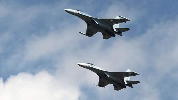 Российский Су-27 «перехватил» патрульный самолет ВМС США над Черным морем