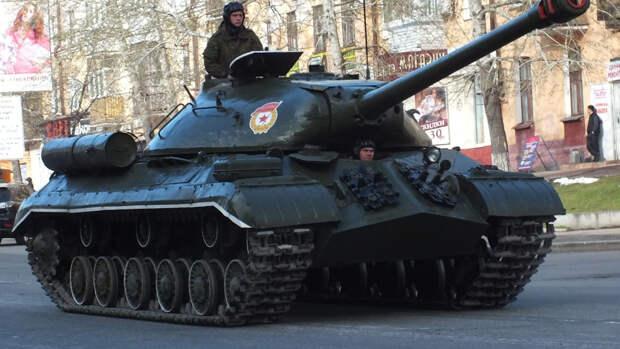 Авторы NI рассказали, как советский танк ИС-3 испугал Запад в 1945 году