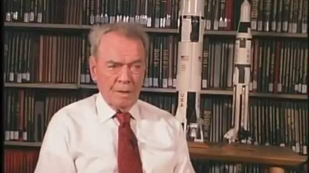 Рутледж: На Луне астронавты США нашли корабль внеземной цивилизации