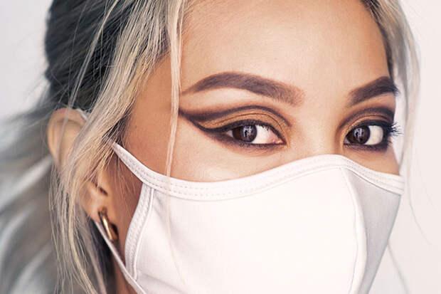Модный тренд социальной дистанции: сочетаем макияж глаз с цветом маски