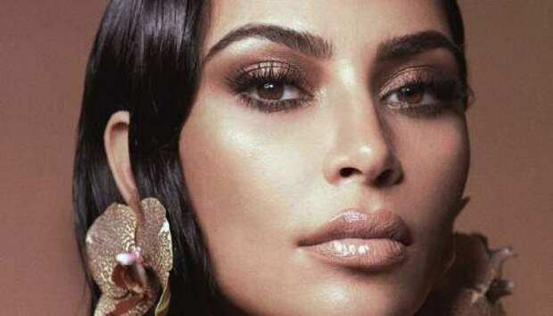 Никакой тайны: Ким Кардашьян рассказала о любимом средстве для бровей