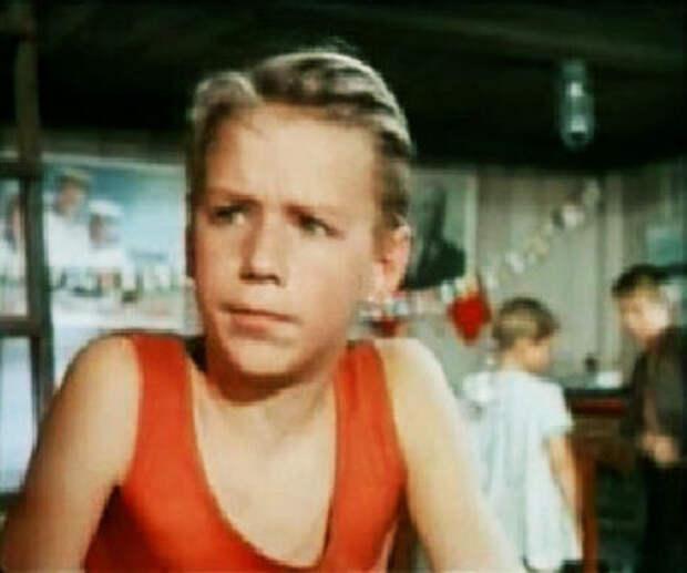 кадр из фильма «Ребята с Канонерского». 1960 год