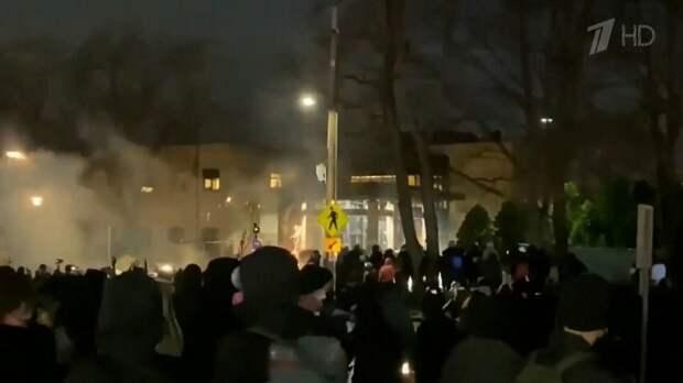 Протесты  в  Миннесоте  после  очередного  убийства  чернокожего.  Фото  из  открытых  источников.