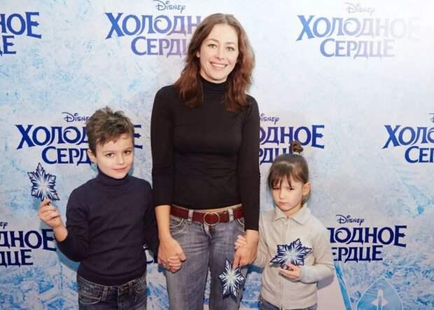 Екатерина Волкова с детьми./ Фото: movister.ru
