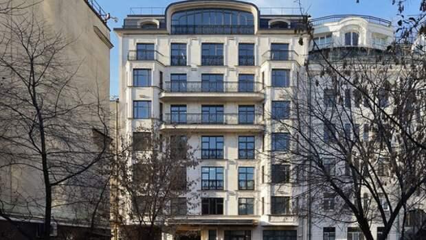 Молодая помощница главы Федеральной налоговой службы прикупила себе квартиру за 250 миллионов рублей