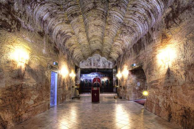 В этом подземном городе в Австралии живет 2000 человек. Вот фото изнутри