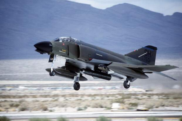 История одного призрака. К 60-летию первого полета  F-4 Phantom II