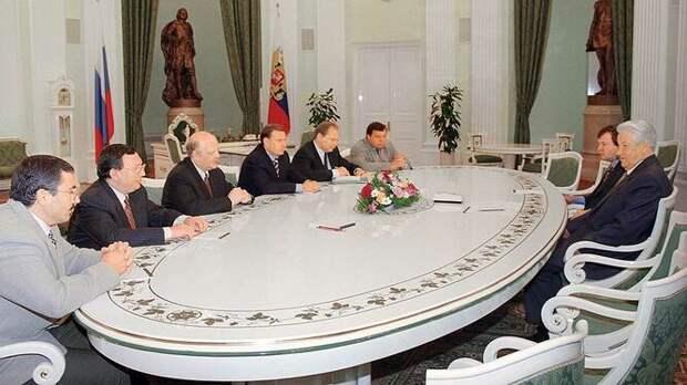 Семь олигархов за спиной Ельцина: История договора с Соросом