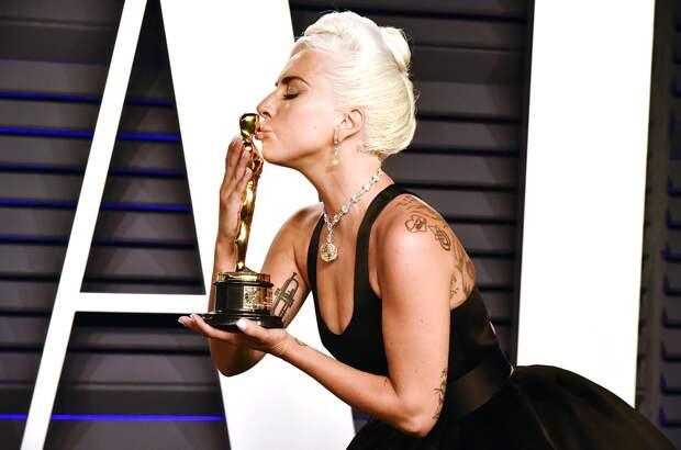 Клер Фой, Леди Гага и ещё 840 участников приглашены в состав Американской киноакадемии