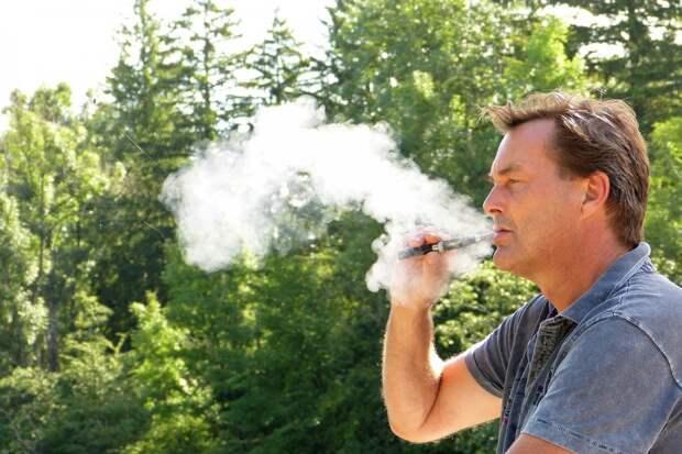Электронные сигареты не помогут бросить курить, но спровоцируют зависимость от вейпинга