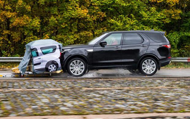 Тест систем автоторможения: богатые тоже врезаются