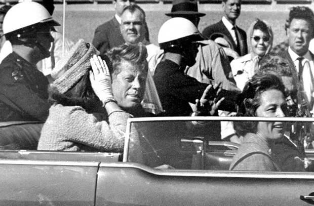Какого советского перебежчика ЦРУ подозревало в причастности к убийству Кеннеди