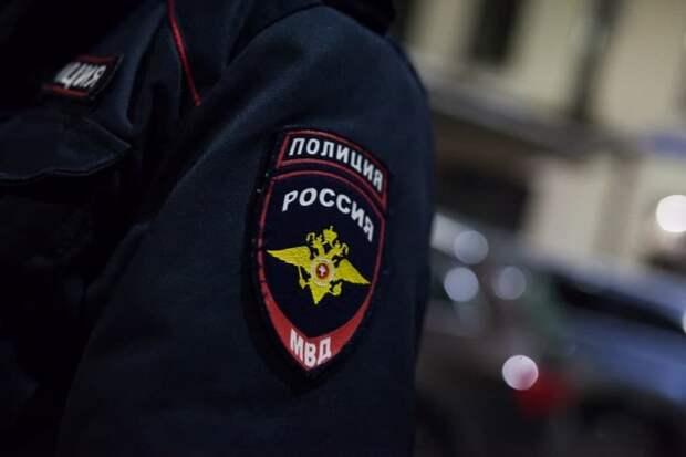 Нелегальные мигранты обнаружены в торговом центре на Щукинской