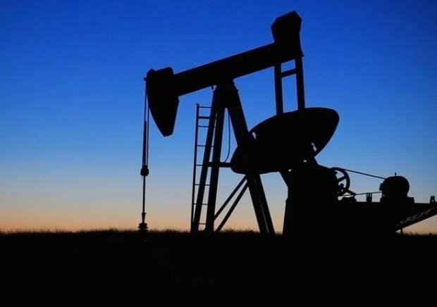 Цены на нефть упали до минимума с июня