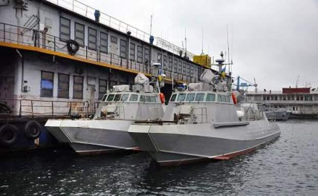 На фото: катера БДШК-01 (головной катер «Кентавр-ЛК») и БДШК-02