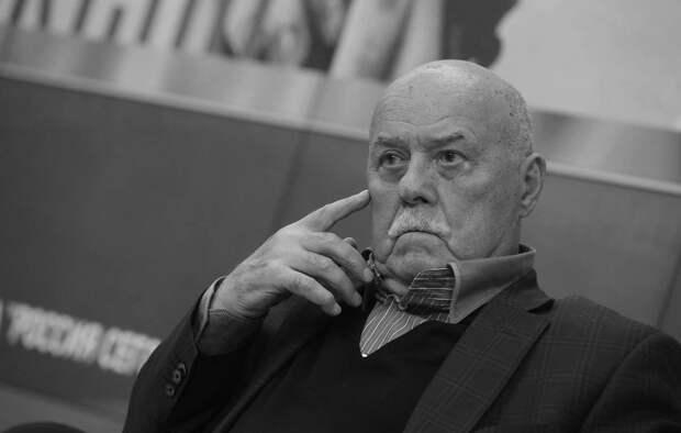 Ошибка президента, уклонение от наград и другие факты о Станиславе Говорухине