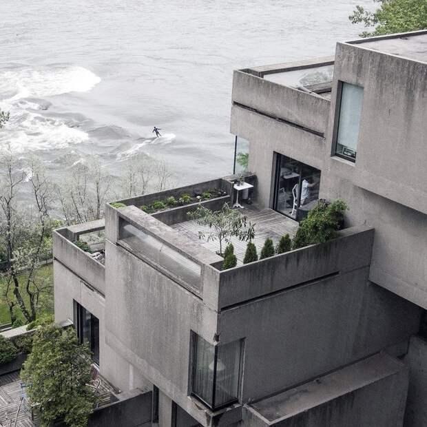 Элитное жилье: как выглядят внутри квартиры в необычном доме из бетонных блоков