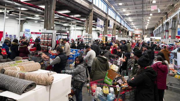 СССР захватил США: Люди сходят с ума в очередях и от дефицита продуктов