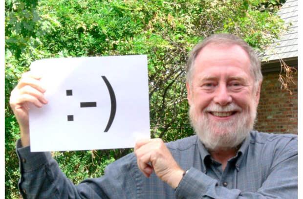 В США на аукцион выставили первый цифровой смайлик