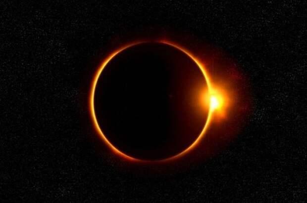 На Солнце третий день подряд продолжается череда вспышек