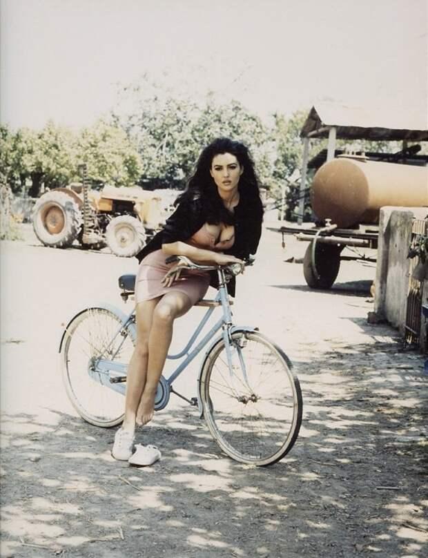 Юная Моника Беллуччи в 90-ые годы.