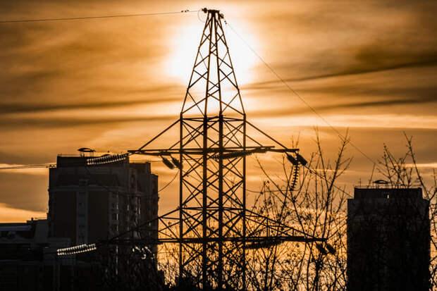 Кабмин поручил добиться от населения платы долгов за электричество