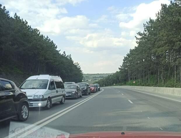 Вечер пятницы: Симферополь застыл в автомобильных пробках