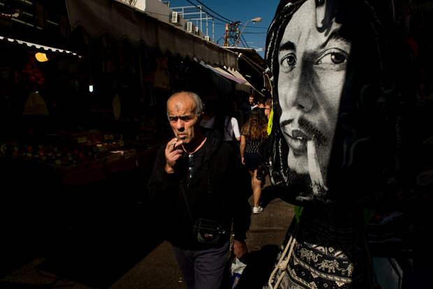 На улице в Тель-Авиве. Фотограф Алан Бурла 32