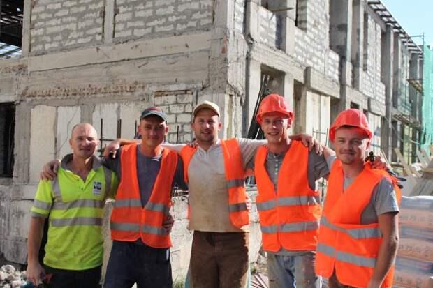 «Золотые руки»: лучшие строители Севастополя!