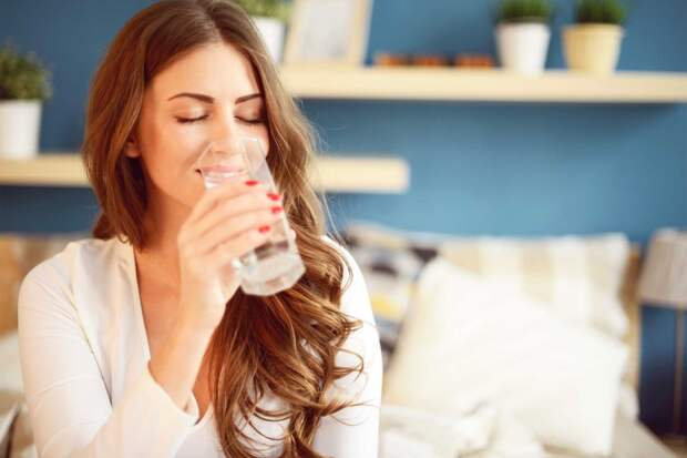 Вот что будет, если начать пить воду на пустой желудок