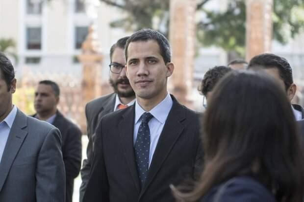 Верховный суд Венесуэлы запретил Гуаидо выезд из страны и заблокировал его активы