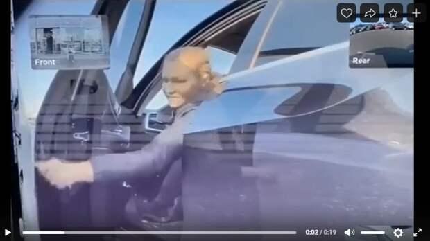 На Ленинградке автоледи разукрасила ключом чужое авто и скрылась