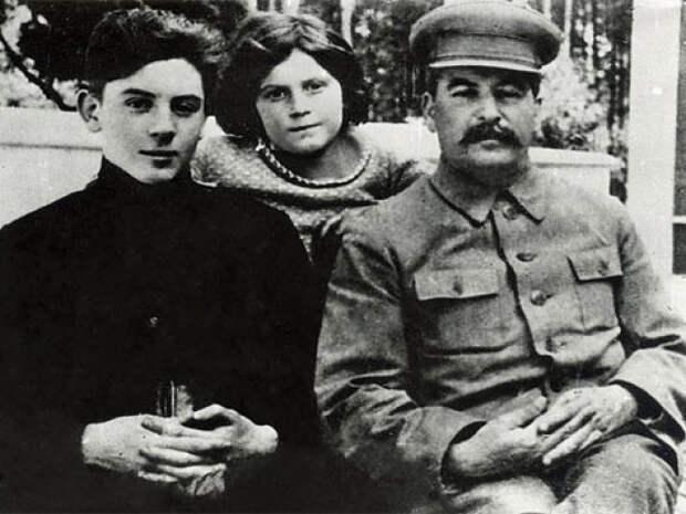 Сталин объяснял многие вещи так просто и ясно, что запоминалось на всю жизнь