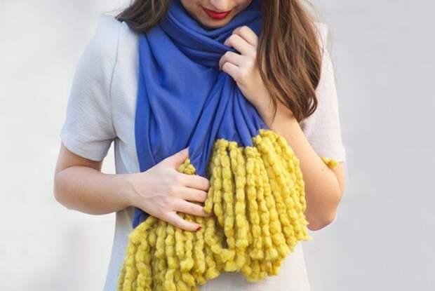 Супер простая идея создания шарфа. Его не нужно шить или вязать