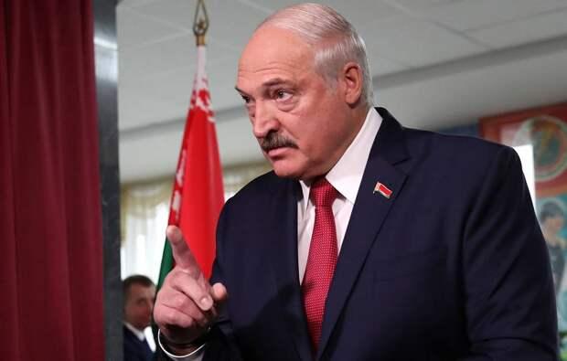 Лукашенко заявил о желании «взяться» за грузопоток из Литвы и Латвии
