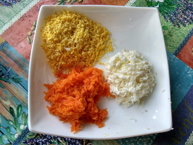 Оригинальный салат из редиса, с очень нежным и удачным сочетанием ингредиентов